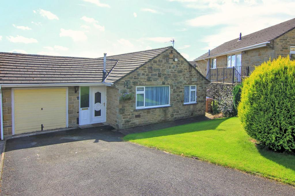 3 Bedrooms Semi Detached Bungalow for sale in 3 Park Wood Way, Skipton,