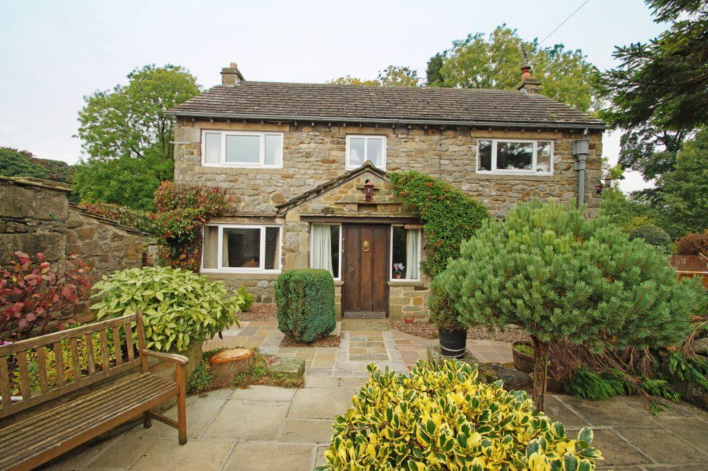 3 Bedrooms Detached House for sale in Bemersyde, Linton In Craven, Skipton, BD23 5HH