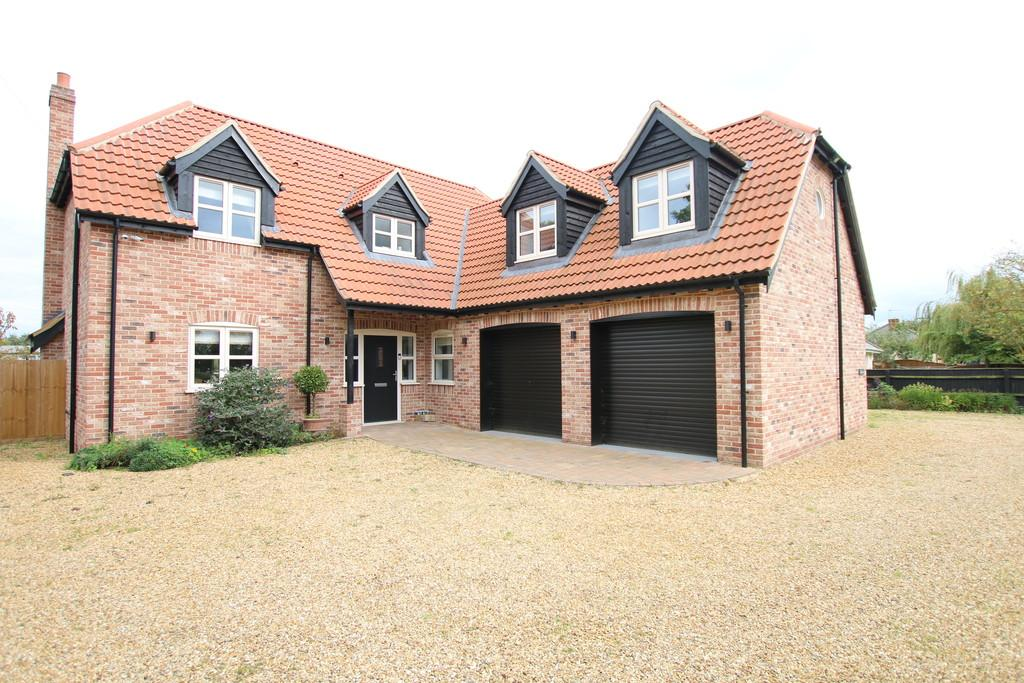 4 Bedrooms Detached House for sale in Roman Bank, Leverington