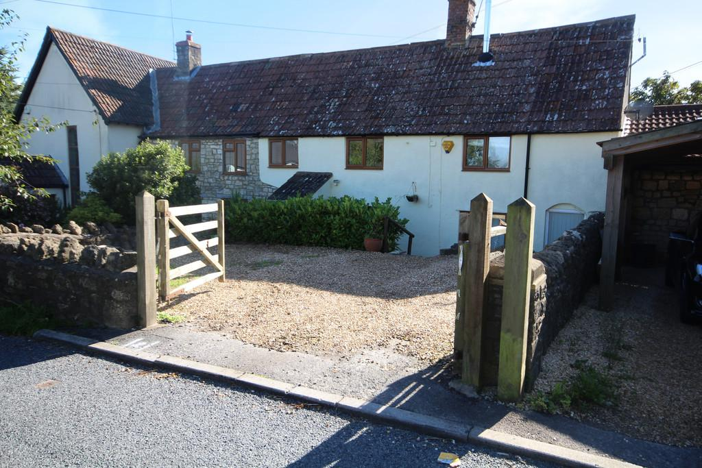 3 Bedrooms Semi Detached House for sale in Village location with easy access to Bristol and Bath in Dundry.
