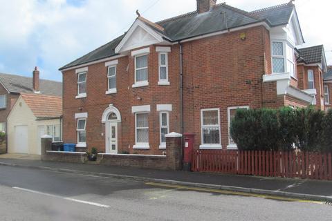 4 bedroom detached house for sale - Victoria Road, Parkstone