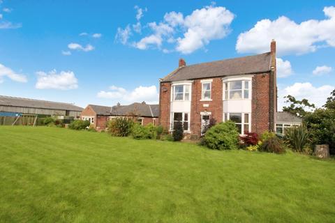 4 bedroom farm house for sale - East Boldon