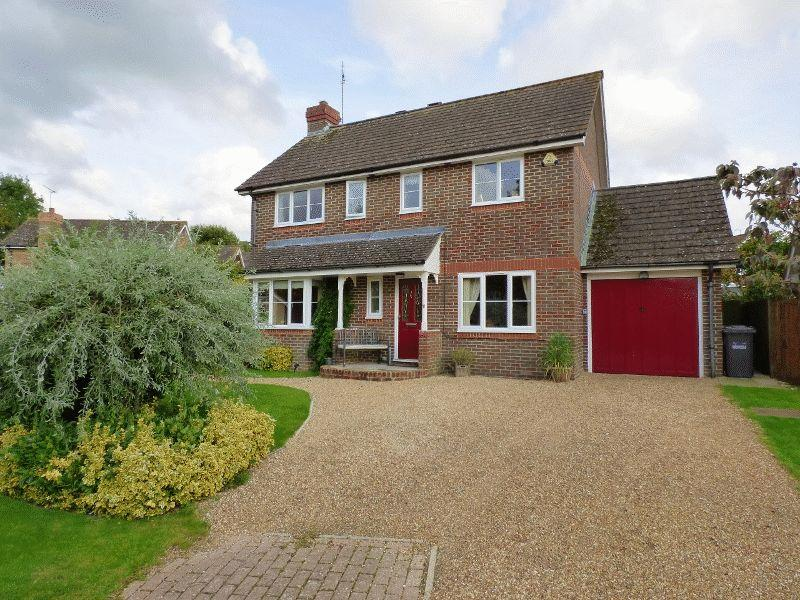 4 Bedrooms Detached House for sale in 11 Blunden Drive, Cuckfield