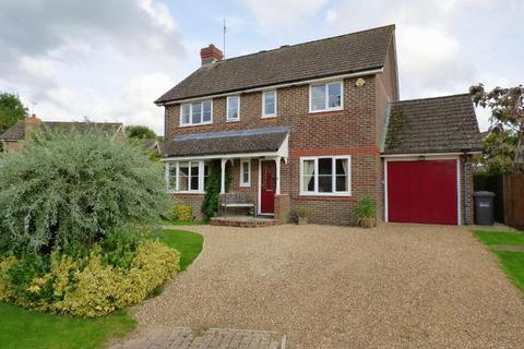 4 bedroom detached house for sale - 11 Blunden Drive, Cuckfield