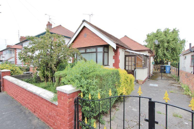 2 Bedrooms Detached Bungalow for sale in Knowles Avenue, Prestatyn