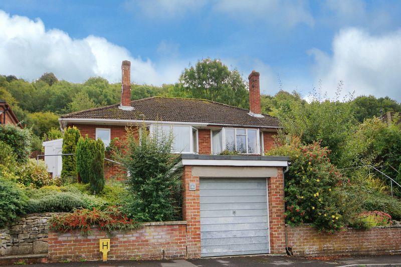 2 Bedrooms Semi Detached Bungalow for sale in Hentley Tor, Wotton Under Edge, GL12 7LE