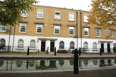 3 bedroom townhouse to rent - Waterside Ave, Langley Waterside, Beckenham, BR3