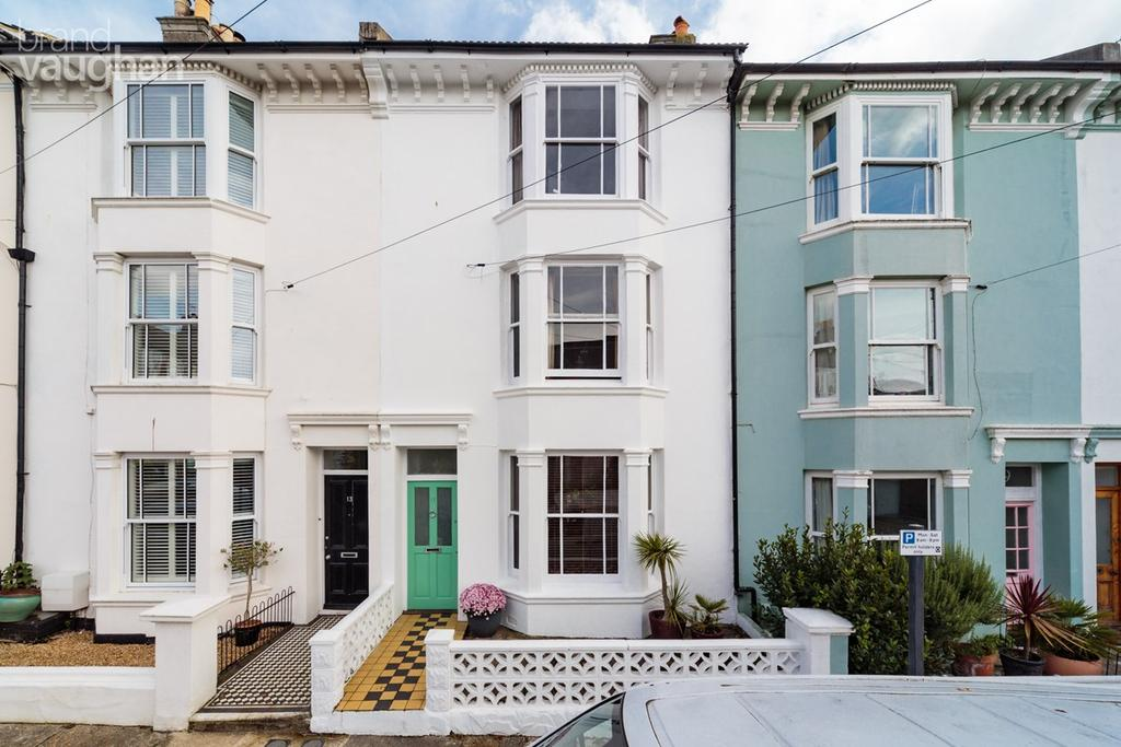 3 Bedrooms Terraced House for sale in Lorna Road, Hove, BN3