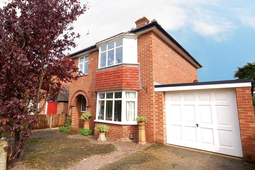 3 Bedrooms Detached House for sale in Garden Road, Sheringham