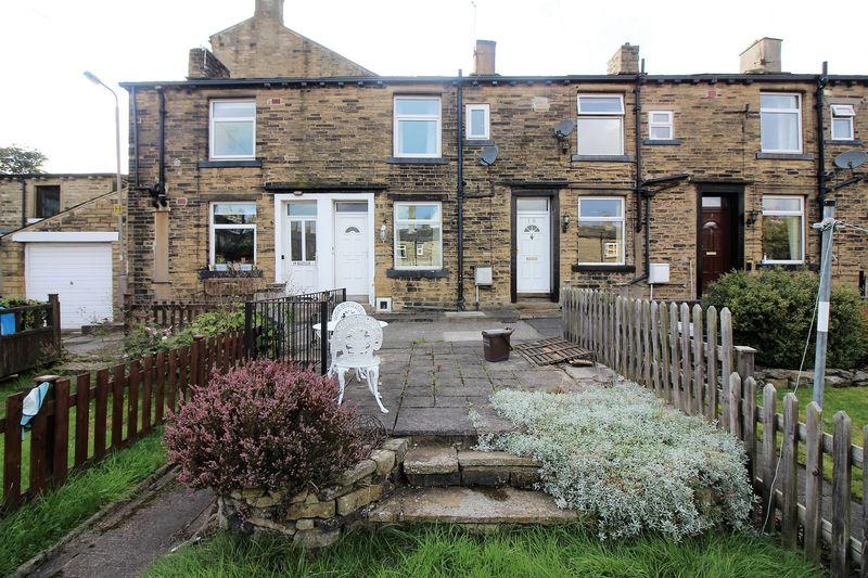 1 Bedroom Terraced House for sale in Green Terrace Square, Savile Park, Halifax