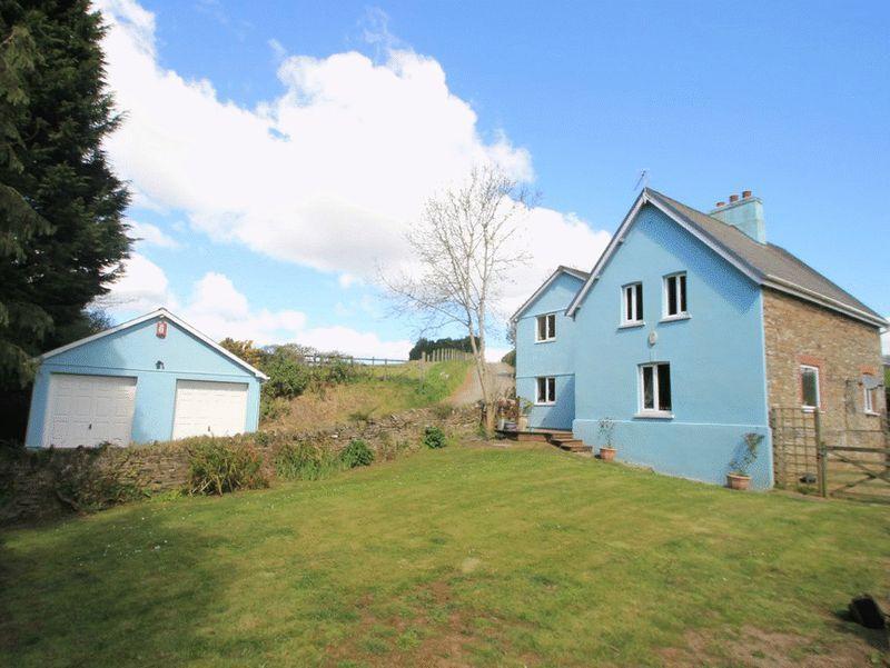 4 Bedrooms Detached House for sale in Tresulgan, Near Trerulefoot