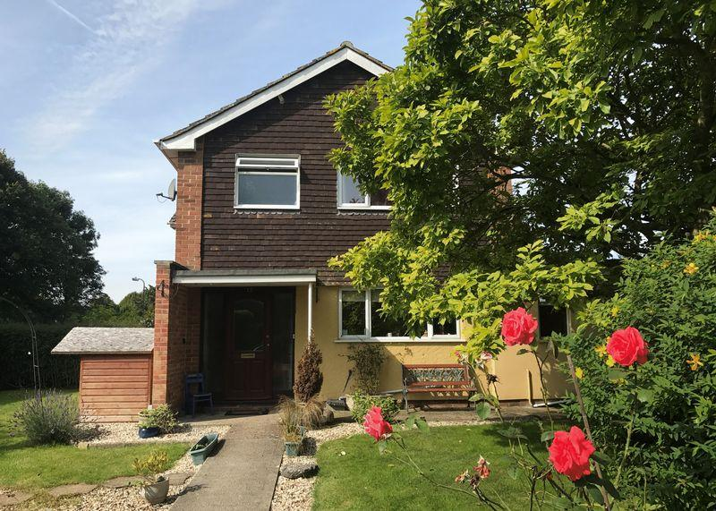 3 Bedrooms Semi Detached House for sale in Mayfield Avenue, Grove