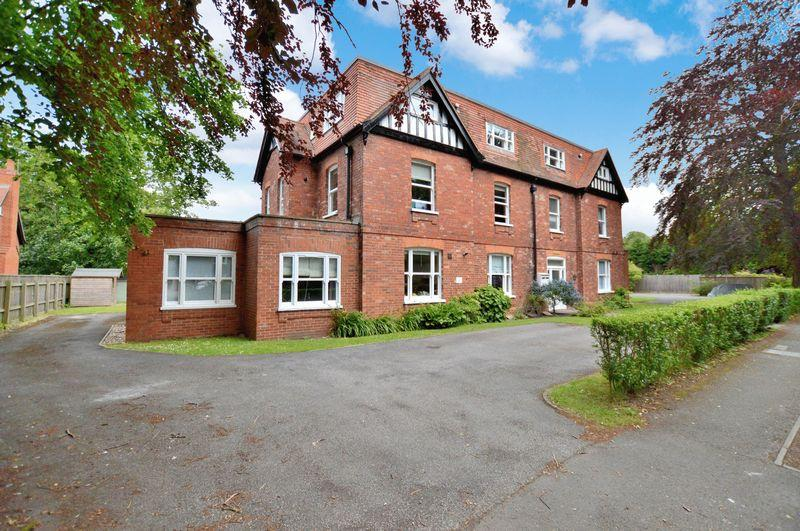 2 Bedrooms Apartment Flat for sale in 7 Rosewood, Cromwell Avenue, Woodhall Spa