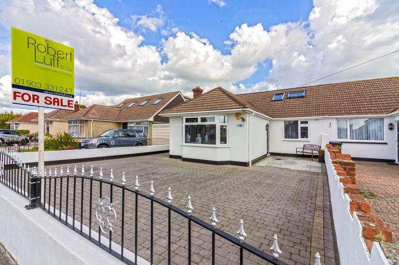 3 Bedrooms Bungalow for sale in Barfield Park, Lancing