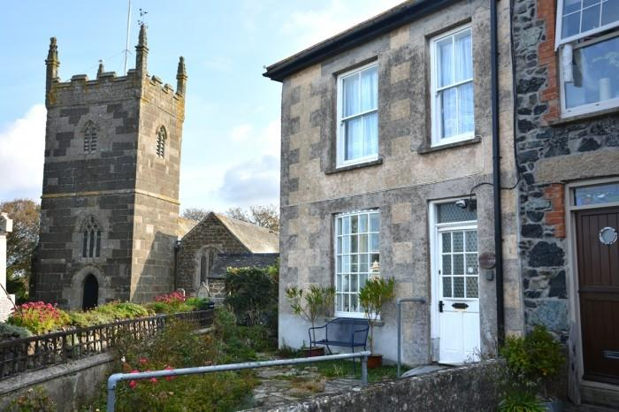 2 Bedrooms Town House for sale in 1 ELM TERRACE, MULLION, TR12