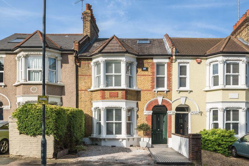4 Bedrooms Terraced House for sale in Charlton Lane, Charlton