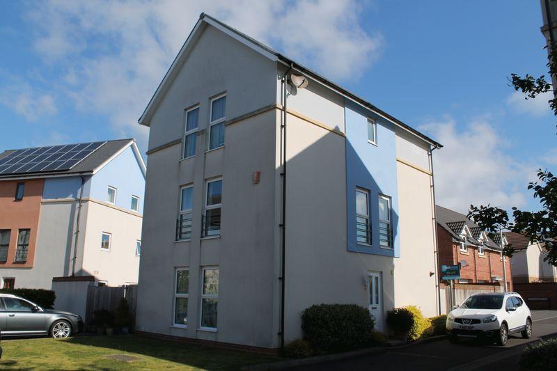 5 Bedrooms Detached House for sale in Guillemot Road, Portishead