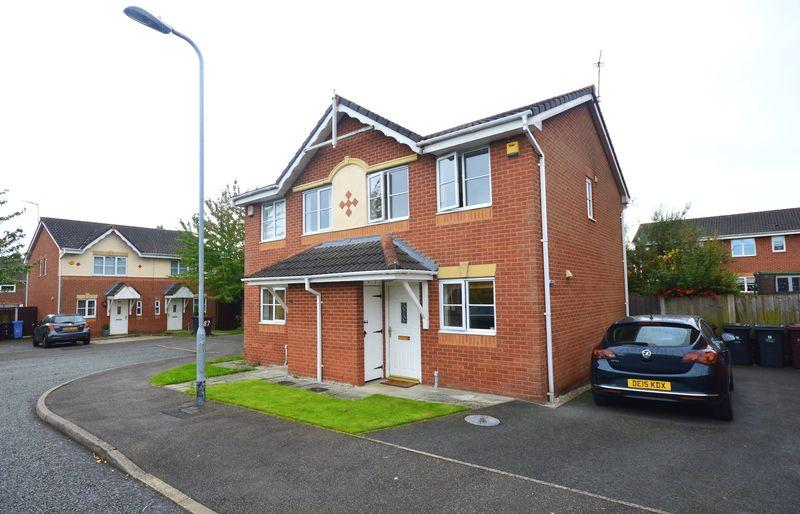 2 Bedrooms Semi Detached House for sale in Palmerston Drive, Hunts Cross