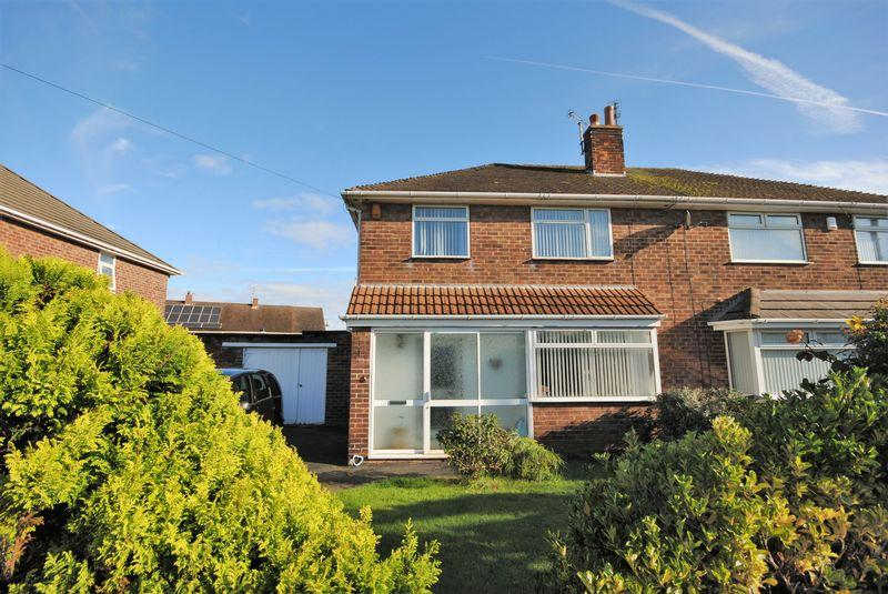 3 Bedrooms Semi Detached House for sale in Meadfoot Road, Moreton