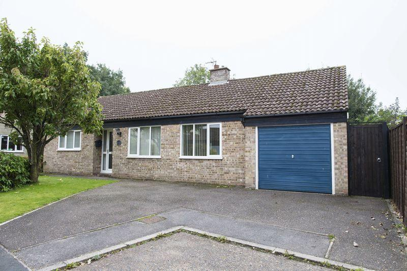 3 Bedrooms Detached Bungalow for sale in Shepherds Drive, Lawshall