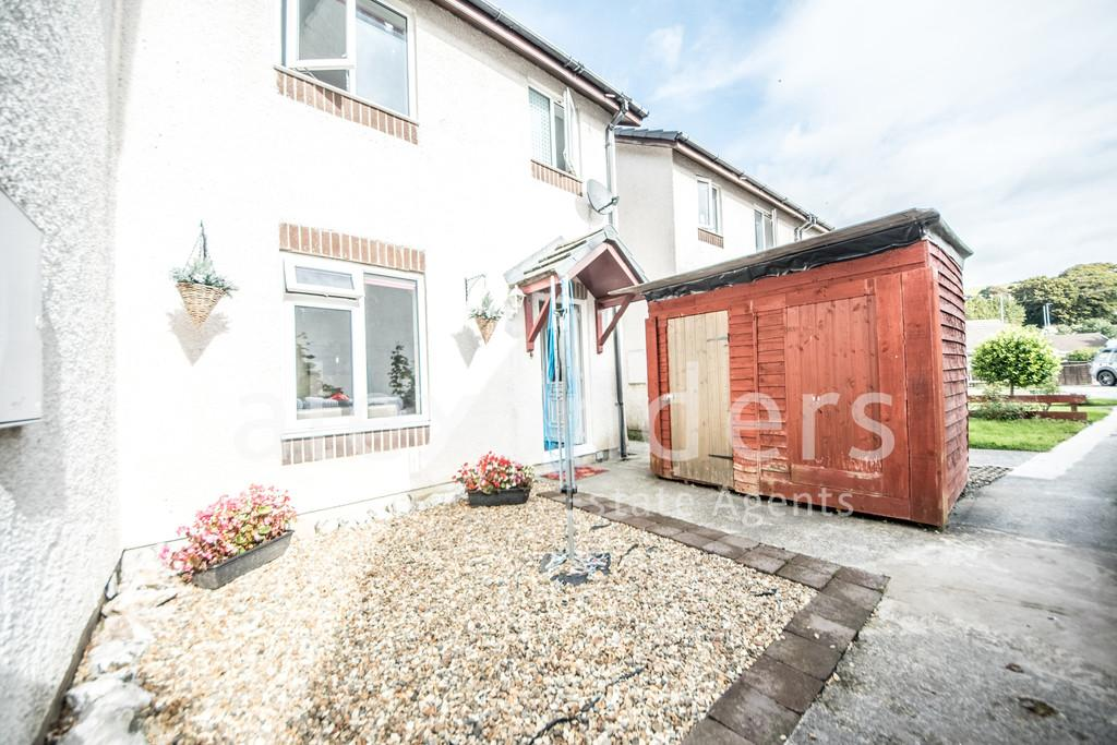 3 Bedrooms Semi Detached House for sale in Cwrt Yr Onnen, Llanbadarn Fawr