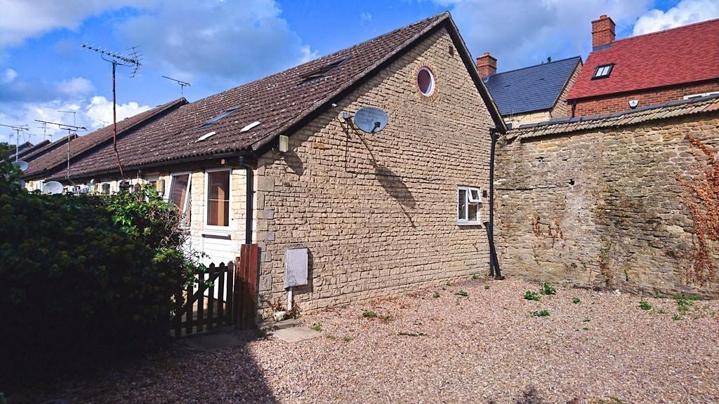1 Bedroom End Of Terrace House for sale in Longwall, Brackley