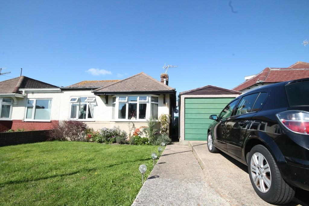 2 Bedrooms Semi Detached Bungalow for sale in West Way, Lancing, BN15 8NB