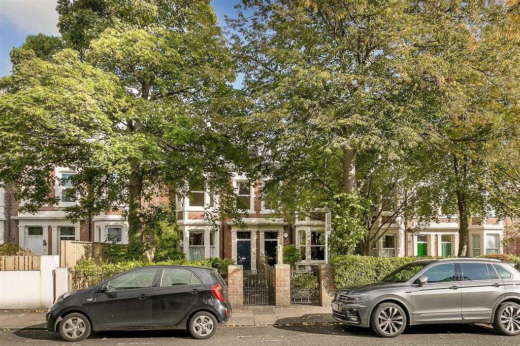 2 Bedrooms Flat for sale in St. Georges Terrace, Jesmond, Newcastle upon Tyne