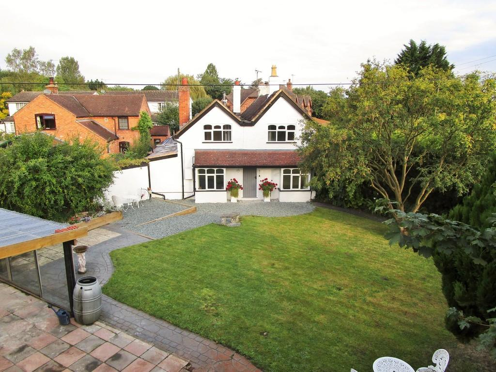 2 Bedrooms Semi Detached House for sale in Birmingham Road, Kings Coughton