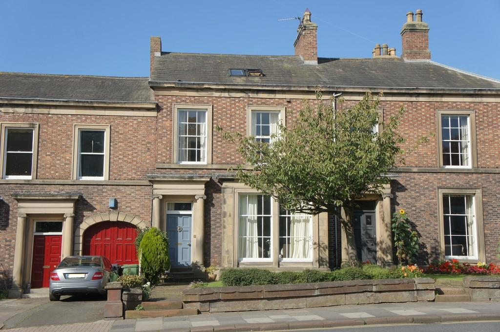 6 Bedrooms Town House for sale in Devonshire Terrace, Carlisle
