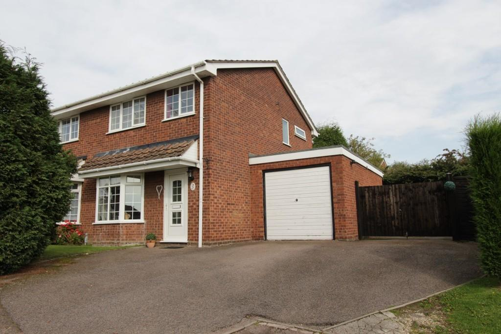 3 Bedrooms Semi Detached House for sale in Sycamore, Wilnecote