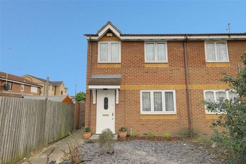 3 bedroom semi-detached house to rent - Tom Nolan Close, West Ham