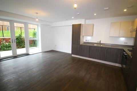 2 bedroom flat to rent - Baldwin Court NW11