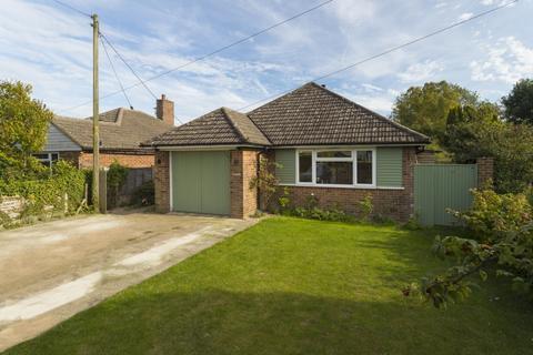 2 bedroom detached house for sale - Brady Road, Lyminge, CT18