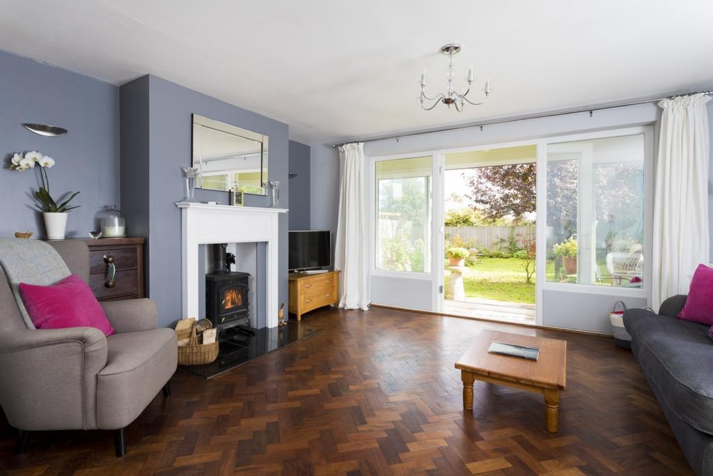 2 Bedrooms Detached House for sale in Brady Road, Lyminge, CT18