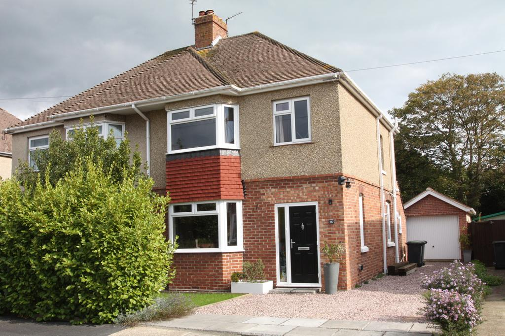 3 Bedrooms Semi Detached House for sale in St Mark's Close, Alverstoke, Gosport PO12