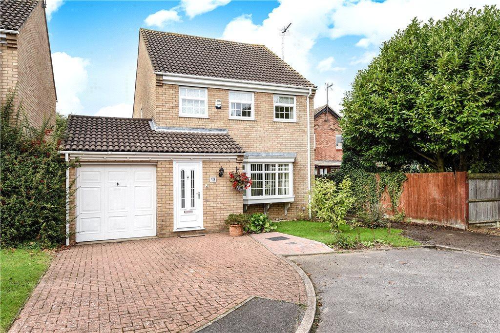 4 Bedrooms Detached House for sale in Sandringham Close, Towcester, Northamptonshire