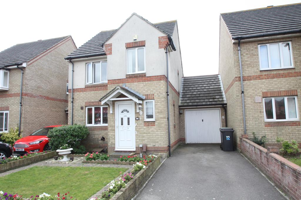 3 Bedrooms Link Detached House for sale in Ensign Drive, Gosport PO13
