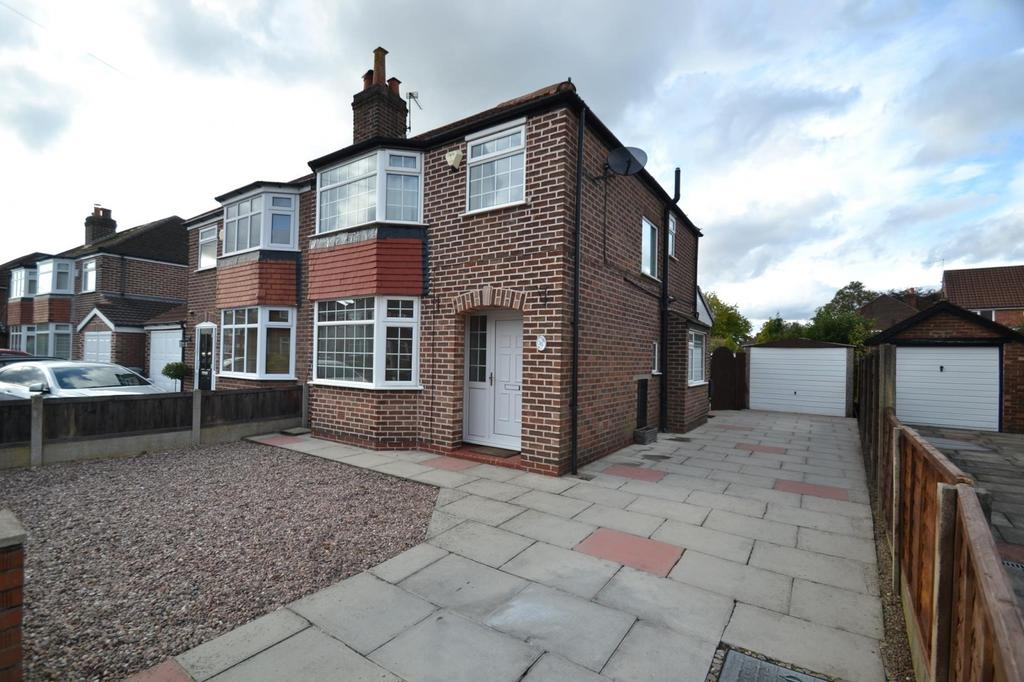 3 Bedrooms Semi Detached House for sale in Craddock Road, Sale