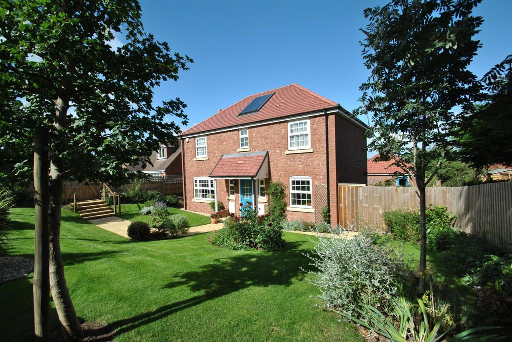 4 Bedrooms Detached House for sale in College Close, Alcombe