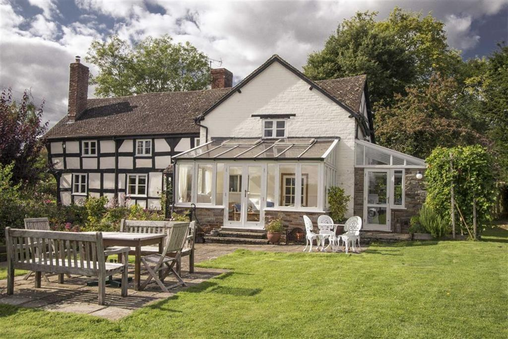 4 Bedrooms Detached House for sale in Yew Tree House, Marston, Pembridge, Herefordshire, HR6