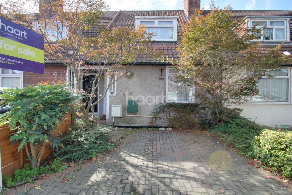 2 Bedrooms Terraced House for sale in Bennetts Castle Lane, Dagenham