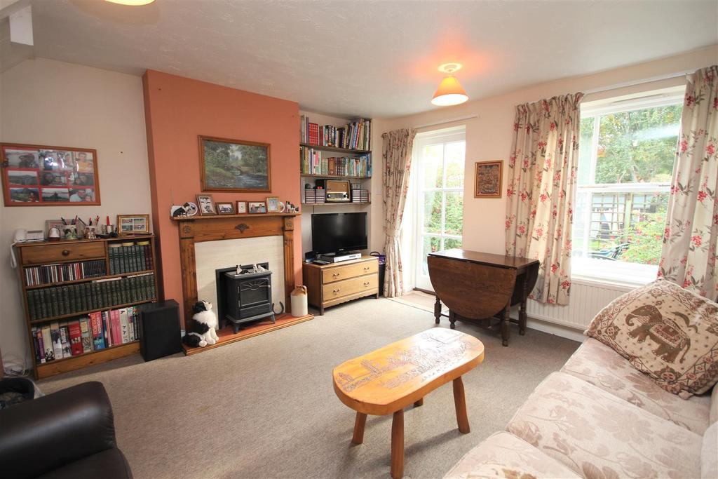 2 Bedrooms End Of Terrace House for sale in Donaldson Way, Woodley, Reading