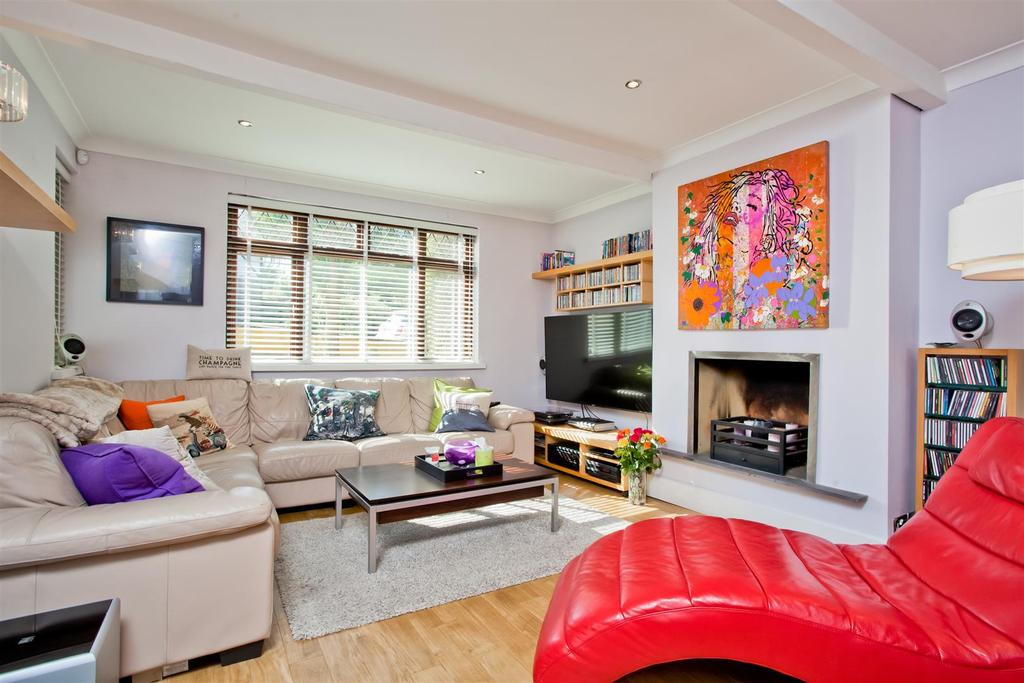 4 Bedrooms Detached House for sale in Woodland Way, Patcham, Brighton
