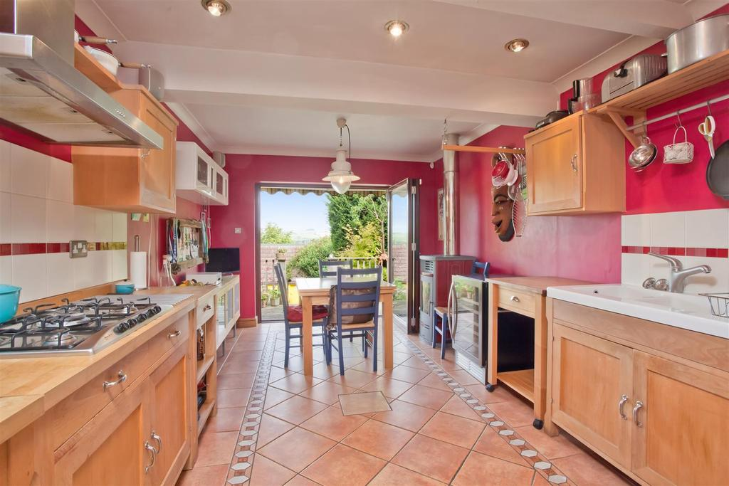 3 Bedrooms Detached House for sale in Woodland Way, Patcham, Brighton