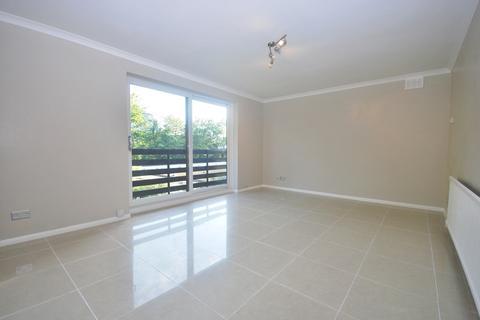 2 bedroom flat to rent - Glenmore Lodge Beckenham BR3