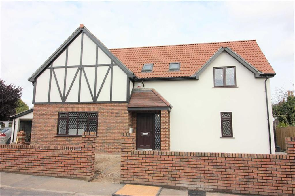 4 Bedrooms Detached House for sale in The Close, Cribbs Causeway, Bristol