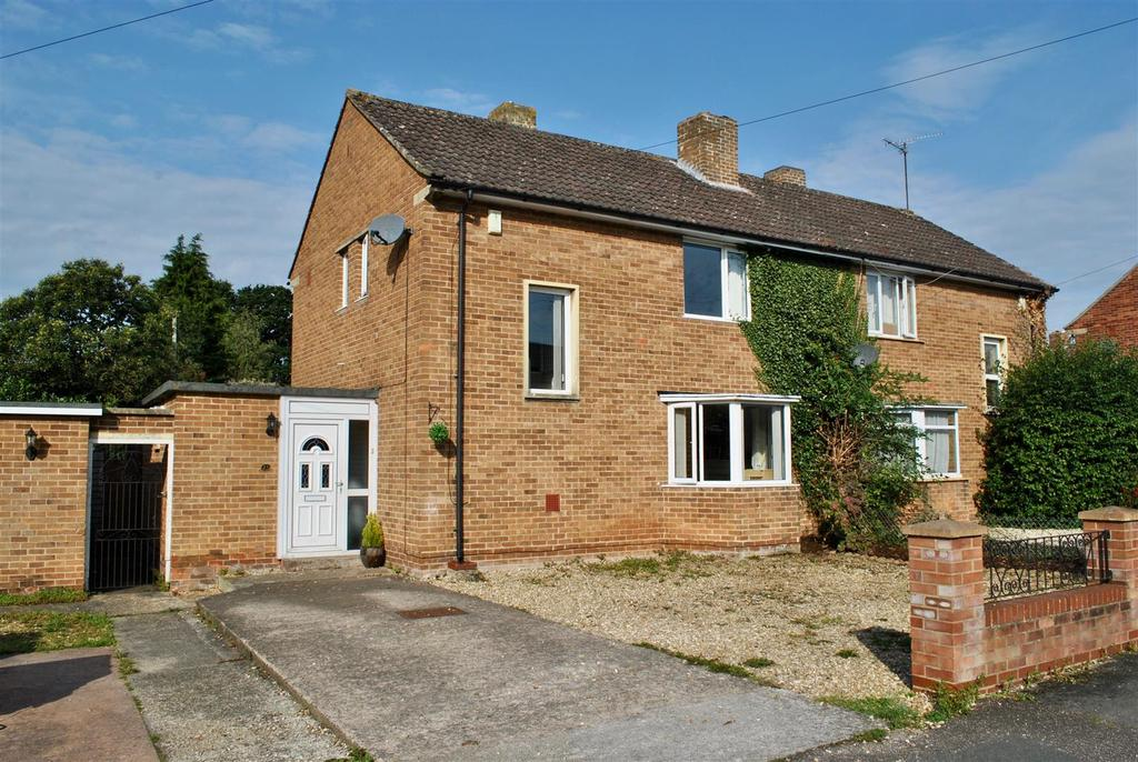 3 Bedrooms Semi Detached House for sale in Triscombe Road