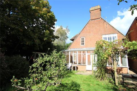 4 bedroom detached house to rent - Warwick Road, Reading, Berkshire, RG2