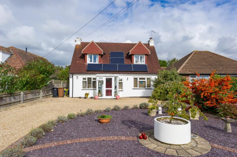 3 Bedrooms Detached House for sale in Foxborough Road, Radley, Abingdon